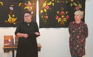 D. Katkuvienė (kairėje) ir A. Vandytė per penkiolika metų sudarė ir išleido 6 solidžius katalogus.