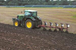 Gauti paskolas, padėsiančias sumažinti finansinius sunkumus,gali tie ūkio subjektai, kurių veikla susijusi su žemės ūkiu.