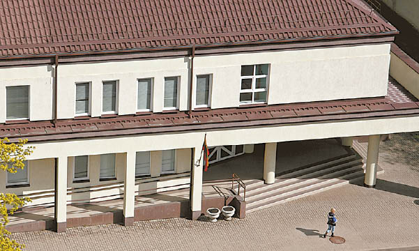 Marijampolės apylinkės teismas kaltomis pripažino tik dvi Migracijos skyriaus darbuotojas.