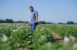 """Daržoves Šakių rajone auginantis ūkininkas, kooperatyvo """"Suvalkijos daržovės"""" vadovas Martynas Laukaitis pastebi: parama jo ūkiui bus labai pravarti."""