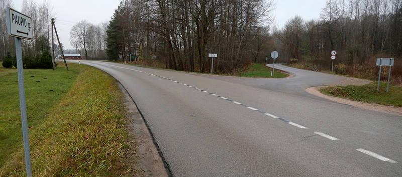 Šiame kelio vingyje nepatyrę vairuotojai patenka į spąstus.