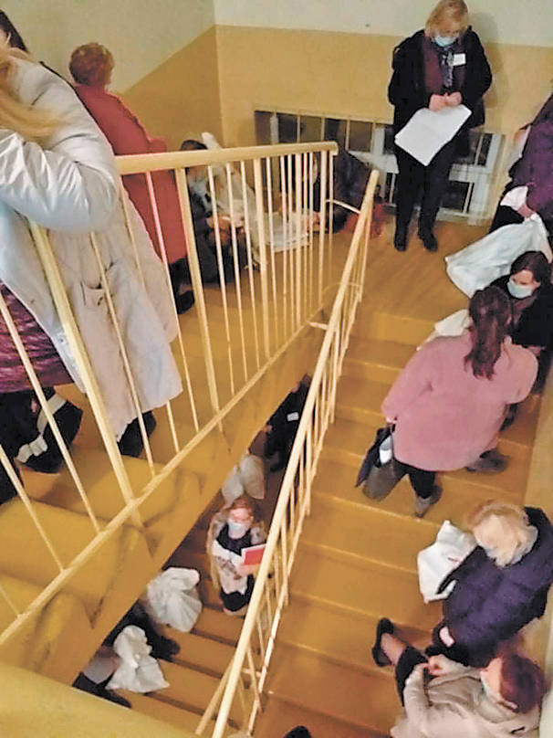 Kaltųjų paieškos: po rinkimų masiškai korona susirgo komisijų nariai