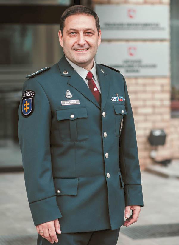 """Marijampolės apskrities vyriausiojo policijos komisariato funkcijas atliekantis Elanas Jablonskas, kviečia gyventojus įsijungti į kovą su """"šešėliu""""."""