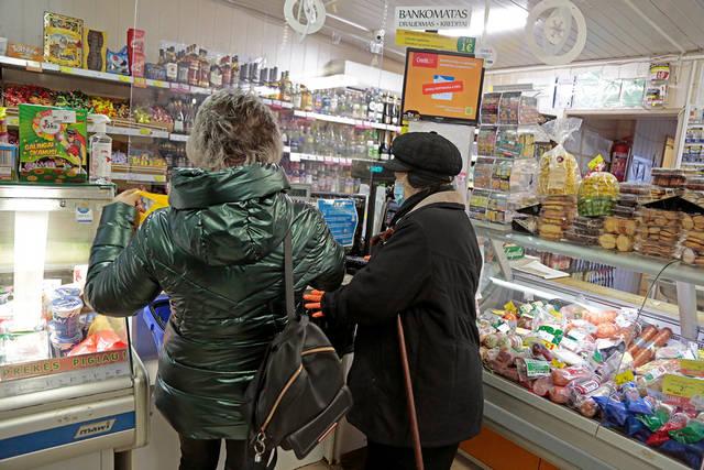 """Galiojant judėjimo ribojimams tarp Lietuvos ir Lenkijos """"Gulbelės"""" parduotuvėse pasienio su Lenkija regione apyvarta padidėjo."""