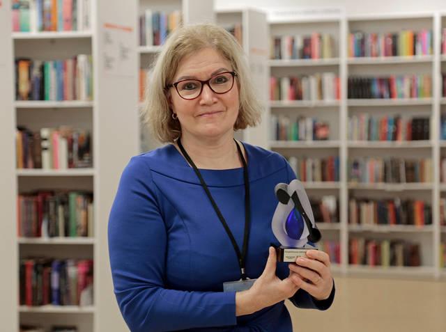 """Draugystės bibliotekai vadovaujanti Dana Lukšienė sako, kad kūrybiškiausios bibliotekos titulą labiausiai lėmė praėjusiais metais įgyvendintas projektas """"Mažasis menų inkubatorius""""."""
