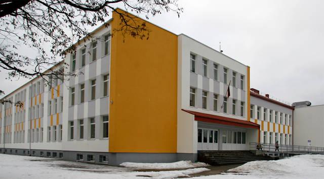 Prano Dovydaičio pagrindinės mokyklos kolektyvas išsakė nemažai priekaištų dėl planuojamos pertvarkos. Pagal planą ši mokykla bus prijungta prie Kazio Griniaus gimnazijos.