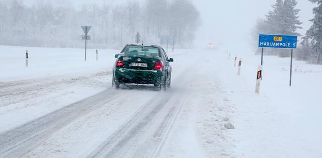 Keliu Marijampolė–Kalvarija teko važiuoti labai lėtai.
