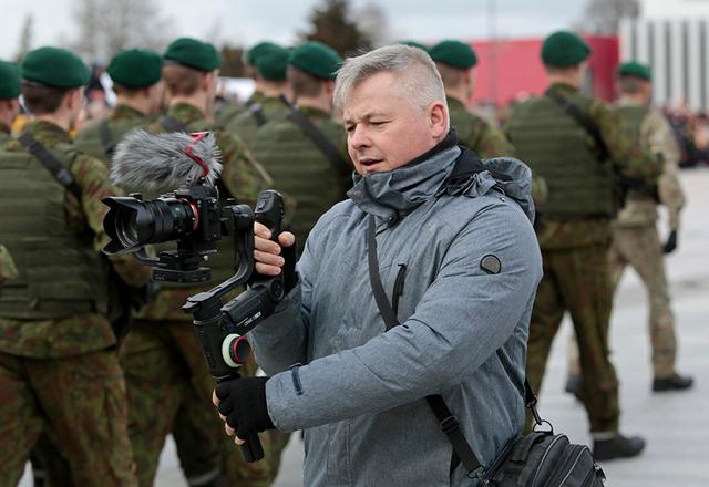 Pateikęs paraišką SVV rėmimo fondui, filmavimo operatorius Eugenijus Naikelis susigrąžino dalį kompiuterinei įrangai išleistų pinigų.