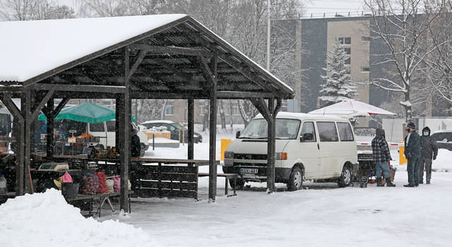 Žiema ir iš privataus turgaus išvijo ne tik pardavėjus, bet ir pirkėjus...
