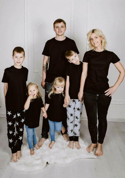 Arnauskų šeima ir karantino metu stengiasi užsiimti prasmingomis veiklomis. Tam padeda ir dienos planas.