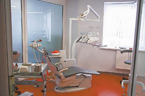Sėstis į implantologo kėdę prisibijome, tačiau rezultatas dažniausiai pateisina mūsų lūkesčius.