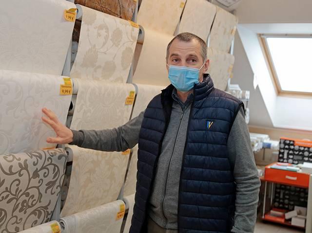"""Statybinių ir apdailos prekių """"Arsenda"""" vadovas Arūnas Sanda pripažįsta, kad švelnesnis karantinas palengvins darbo sąlygas."""