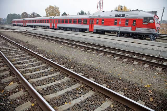 Pagal reformą autobusų stotelių prie geležinkelio neturėtų būti, o naujai statomos autobusų stotys turėtų būti kartu su traukinių stotimis.
