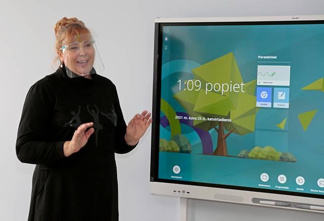 Priešmokyklinės klasės mokytoja Rasa Pudžemienė džiaugiasi atsivėrusiomis naujomis galimybėmis dirbti inovatyviai.