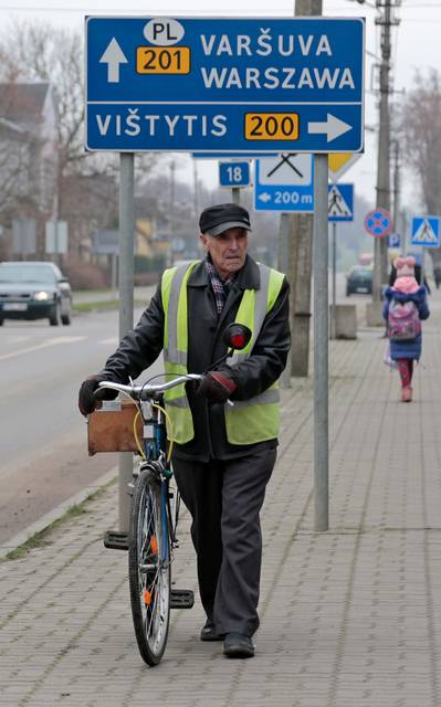 Gyventojai neslepia – nelengva pragyventi negaunant per mėnesį nei 300 eurų pajamų.