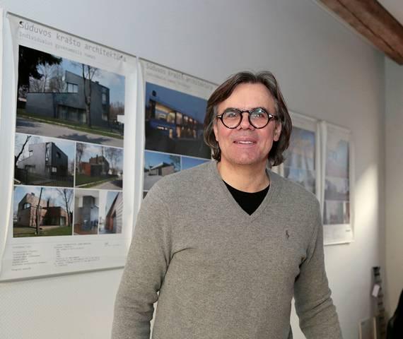 Marijampolietis architektas Gintas Vieversys sako, kad architektūra teikia daug kūrybinio džiaugsmo, tačiau yra ir sunkioji pusė – įveikti nelanksčios biurokratijos labirintus.