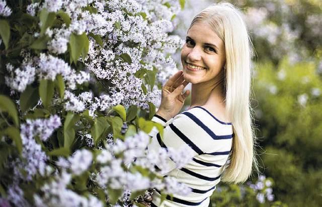 Aistė Čerkauskienė, Kalvarijos viešosios bibliotekos darbuotoja, laiminga atradusi save kūryboje.