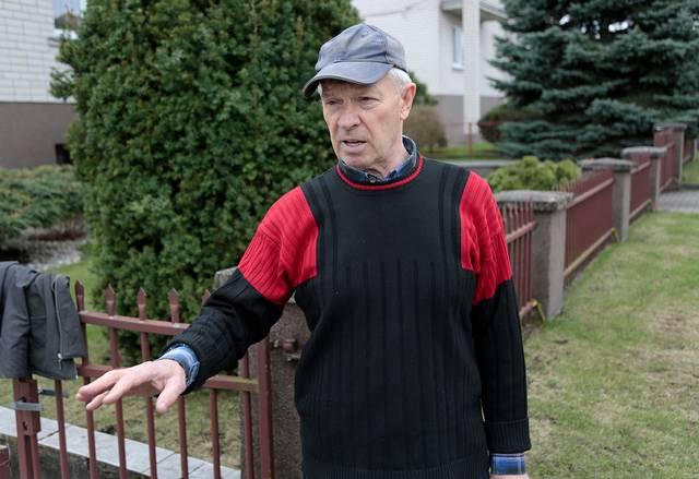 Marijampolietis Vasilijus Ščervianinas į ESO pranešimą sureagavo greitai ir, anot elektros bendrovės, pavojų gyvybei keliančią tvorą, įrengęs įžeminimus, pavertė saugesne.