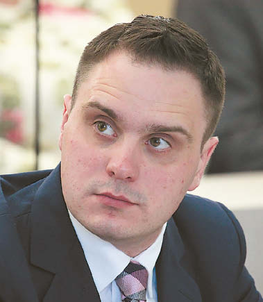 Seimo narys Andrius Vyšniauskas karantino metu laiko knygoms skyrė šiek tiek daugiau, tačiau kaip ir anksčiau dažniau skaitė anglų nei lietuvių kalba.