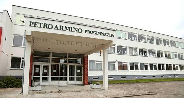 Marijampolės Petro Armino progimnazijoje darbuotojų profsąjunga susikūrė ne iš gero gyvenimo, o kovoti už savo teises.