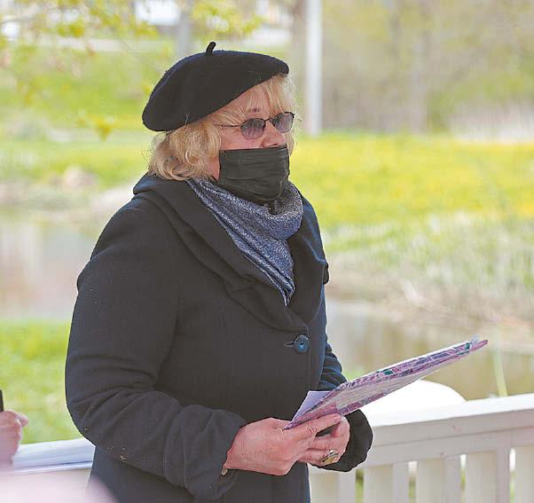 Daugelio gražių iniciatyvų sumanytoja, renginių organizatorė, poetės įamžinimo gimtajame krašte iniciatorė Vilija Žalienė tiki, kad paminklas Vilkaviškyje Salomėjai bus.