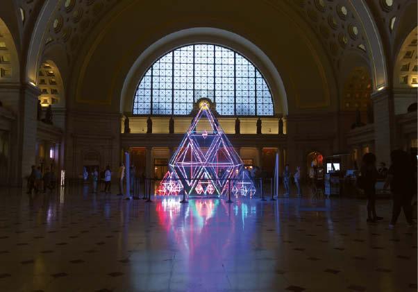"""R. Bartkaus sukurta instaliacija """"Nepriklausomybės sodai"""" buvo eksponuojama ikoninėse JAV salėse."""