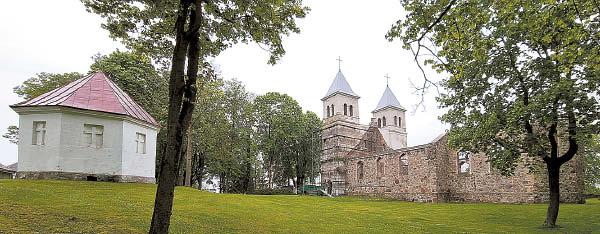 Bartninkų bažnyčia ir koplyčia.