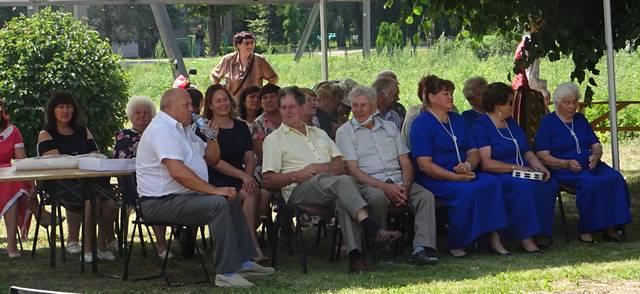 Šventėje dalyvavo daug vietos žmonių ir svečių.