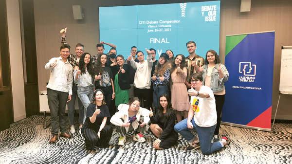 Birželio 26–27 dienomis pagaliau įvyko ne nuotolinis debatų konkursas Vilniuje, kur Dominykas teisėjavo.
