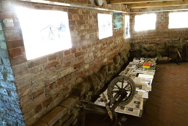 Parodėlėje – straipsniai ir istoriniai dokumentai.