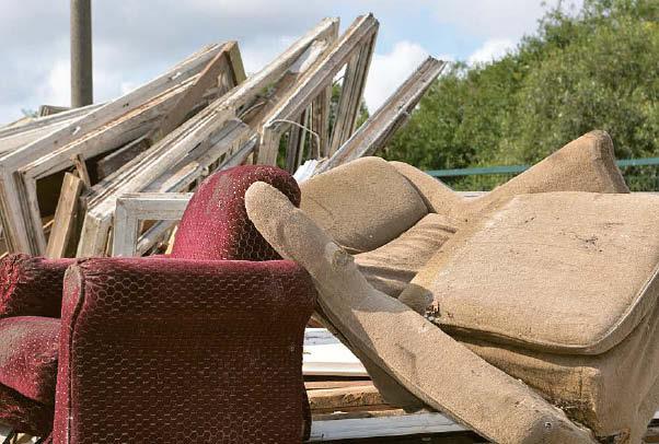 Nenaudojamus iš plokščių pagamintus baldus – spintas, sekcijas ir kt. – į stambiagabaričių atliekų aikštelę nuo rugpjūčio 2 dienos atvežti reikės tik išardytus.