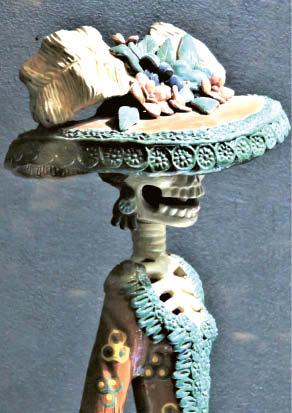 Katrina – moteris-skeletas su suknele ir didžiule nėriniuota skrybėle – dažnai sutinkamas personažas.