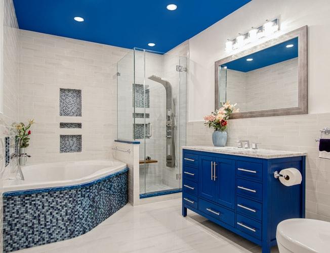 Kokio tipo veidrodį dėti vonios kambaryje?