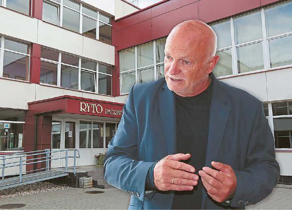 """Pasak """"Ryto"""" pagrindinės mokyklos direktoriaus Vlado Klasavičiaus, mokykla laukia, kada prasidės saulės elektrinės montavimo darbai."""