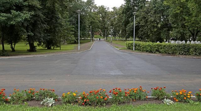 Seminarijos parke išliko tik prancūziškiems parkams būdingas geometrinis išdėstymas, medžių jau nebėra...